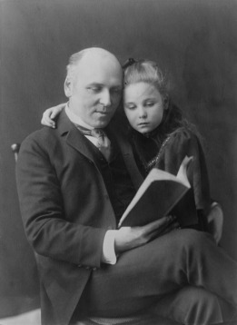 Howard_Pyle_and_daughter_Phoebe_(Johnston)