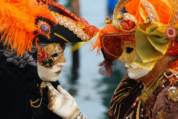 Venice_Carnival_-_Masked_Lovers_(2010)